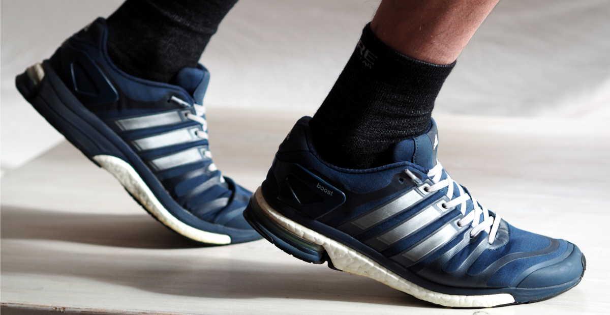 Sportschuhe mit leazy Schnürsenkeln