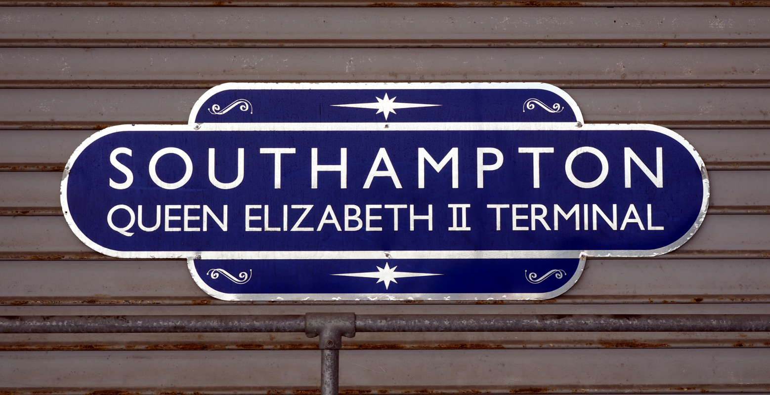 Liegeplatz AIDAprima Southampton am Queen Elisabeth 2 Terminal