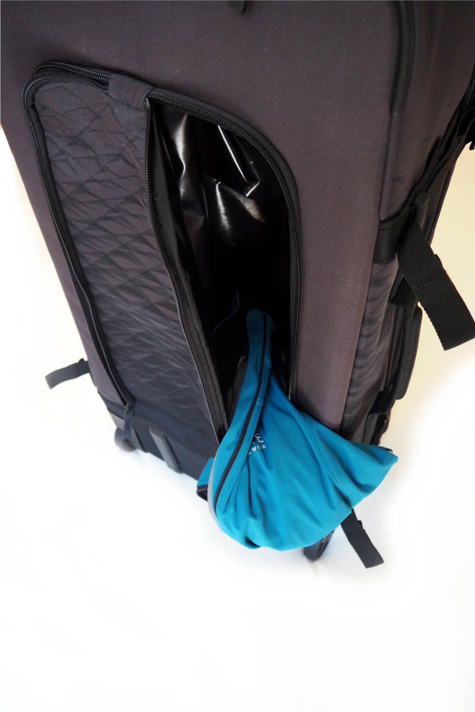 Sporttasche mit wasserdichter Tasche für Sportzeug, Wäsche oder Schuhe