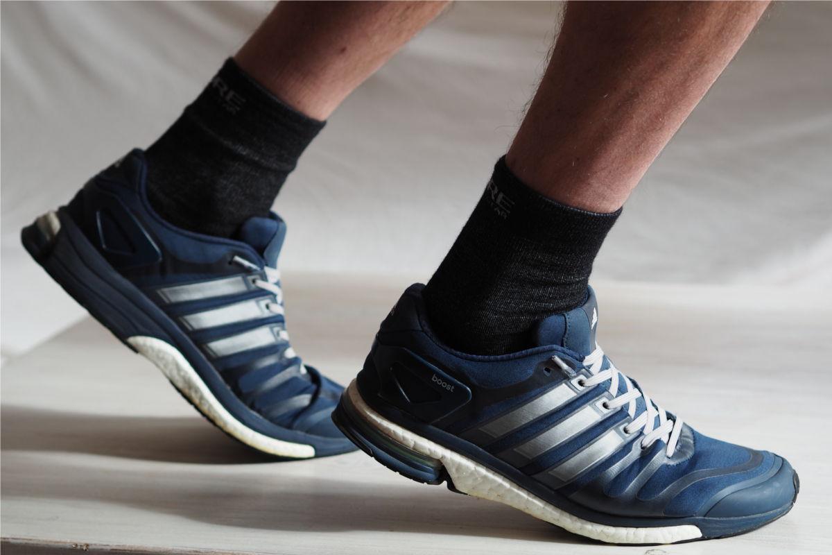 Laufschuhe ohne Schleife mit dem Schnellschnürsystem von leazy