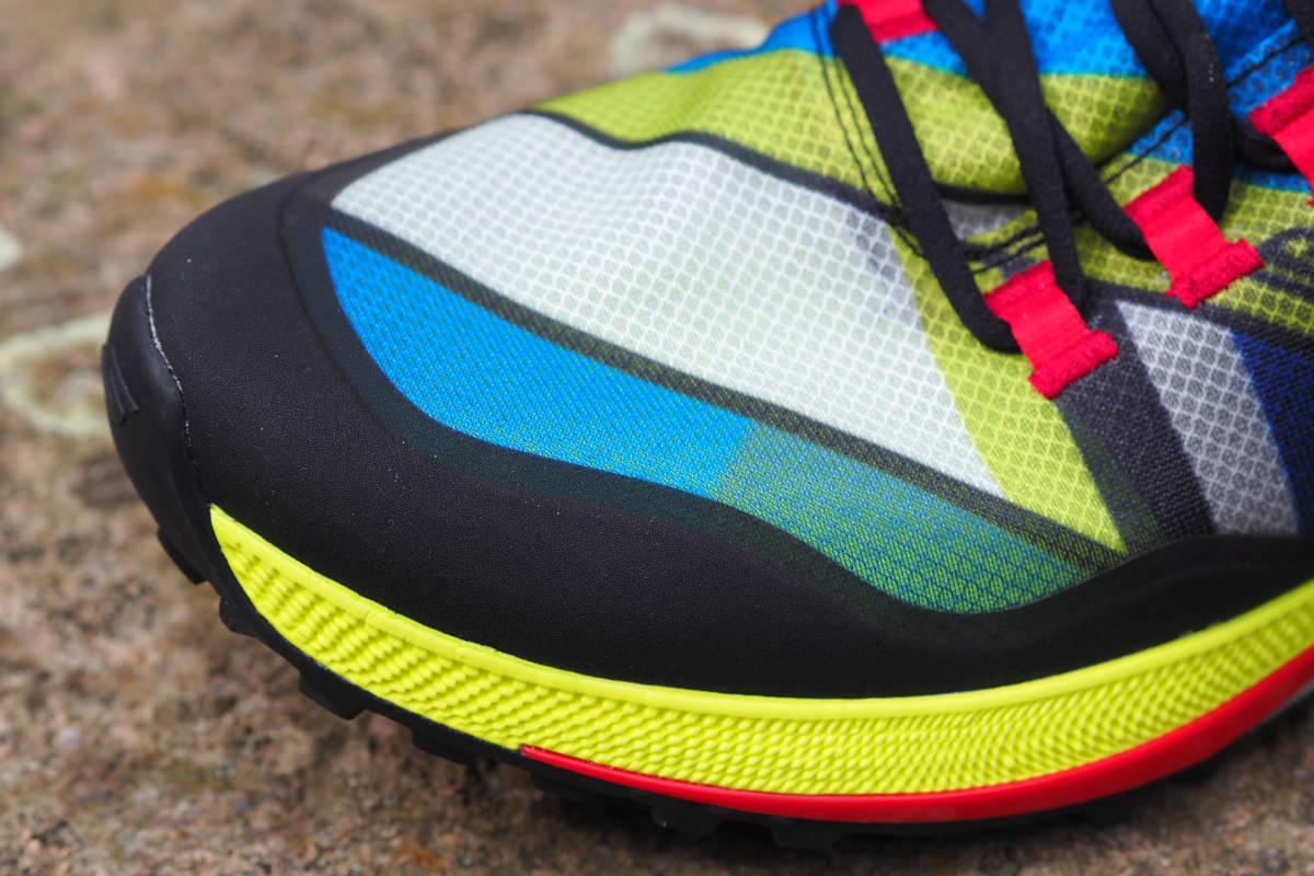 robustes Obermaterial Monomesh Skechers Traillaufschuhe
